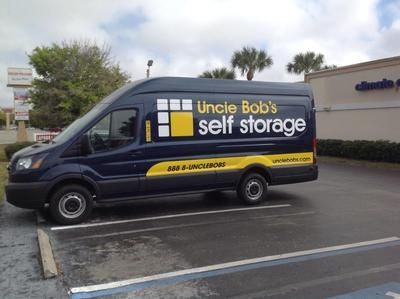 5305 Manatee Avenue West Bradenton, FL 34209 - Moving Truck