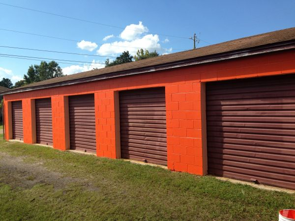 1503 Florida Ave Lynn Haven, FL 32444 - Drive-up Units