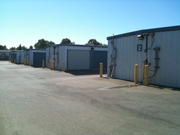 2928 Scotland Drive Antelope, CA 95843 - Drive-up Units