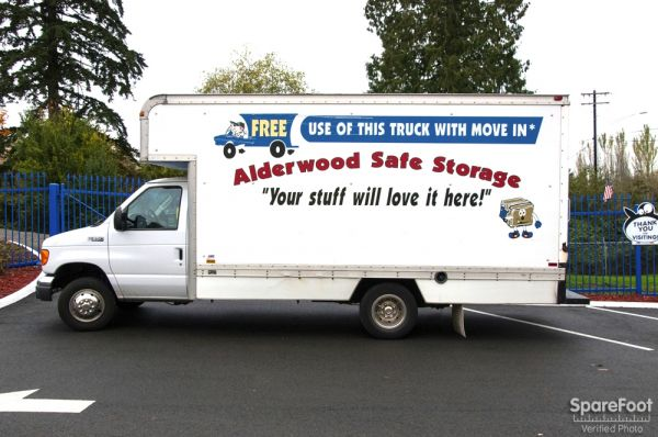 16902 Alderwood Mall Pkwy Lynnwood, WA 98037 - Moving Truck