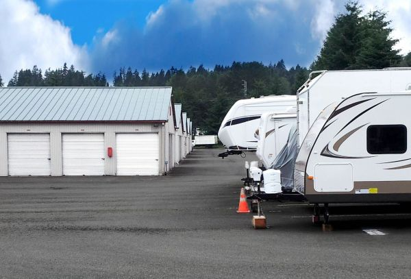 6432 233rd Pl SE Woodinville, WA 98072 - Car/Boat/RV Storage|Drive-up Units