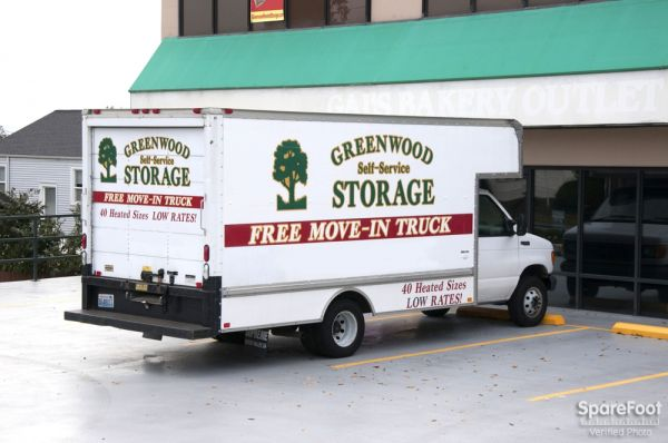 10115 Greenwood Ave N Seattle, WA 98133 - Moving Truck