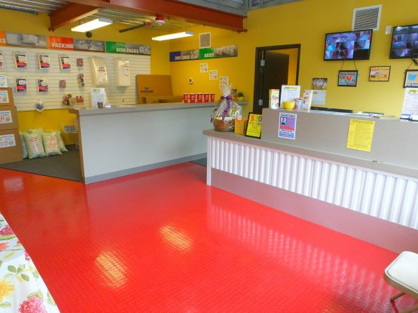 7115 132nd Place Southeast Newcastle, WA 98059 - Front Office Interior|Moving/Shipping Supplies