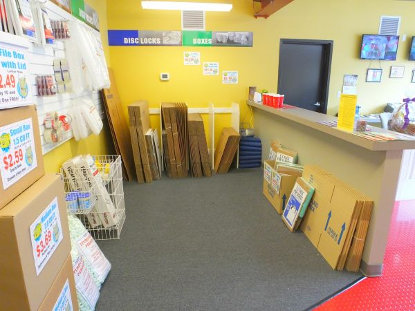 7115 132nd Place Southeast Newcastle, WA 98059 - Moving/Shipping Supplies|Front Office Interior