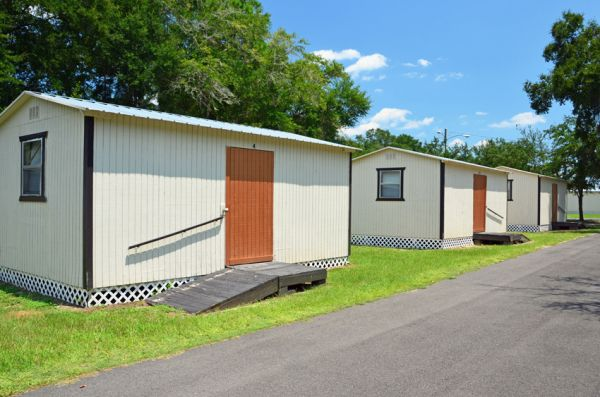 3927 Crawfordville Rd Tallahassee, FL 32305 - Drive-up Units