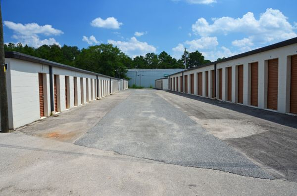 4525 Capital Circle Nw Tallahassee, FL 32303 - Drive-up Units