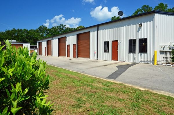 424 Capital Circle Southwest Tallahassee, FL 32304 - Drive-up Units