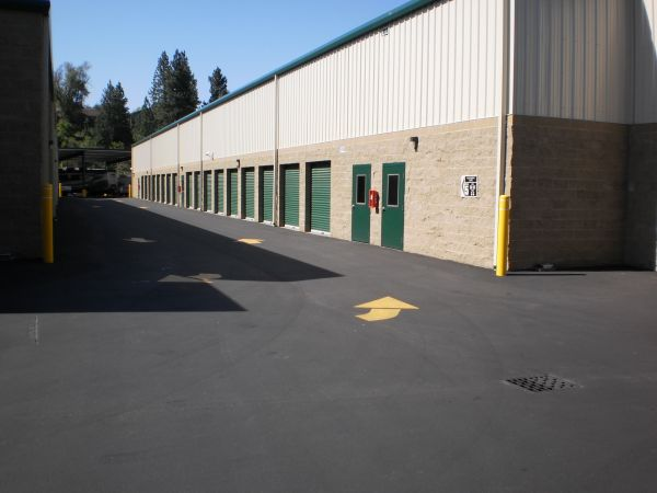 214 South Eastern Road Spokane Valley, WA 99212 - Driving Aisle