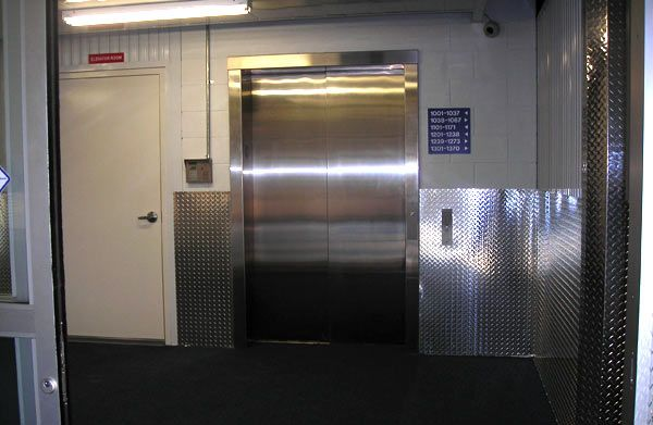 1700 1st Avenue South St. Petersburg, FL 33712 - Elevator
