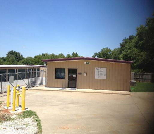 4378 E Mission Blvd Fayetteville, AR 72703 - Storefront|Security Gate