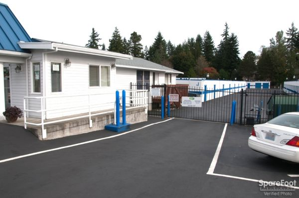 17828 Midvale Avenue North Shoreline, WA 98133 - Storefront|Security Gate