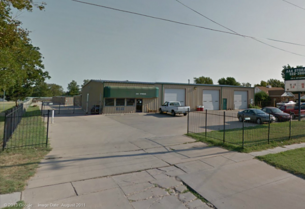 530 East Macarthur Road Wichita, KS 67216 - Drive-up Units|Storefront