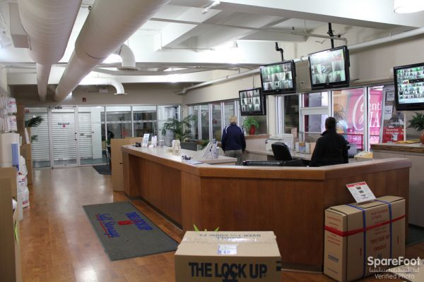1930 North Clybourn Avenue Chicago, IL 60614 - Front Office Interior|Security Monitor|Moving/Shipping Supplies