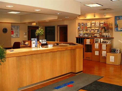 3366 North Kedzie Avenue Chicago, IL 60618 - Front Office Interior