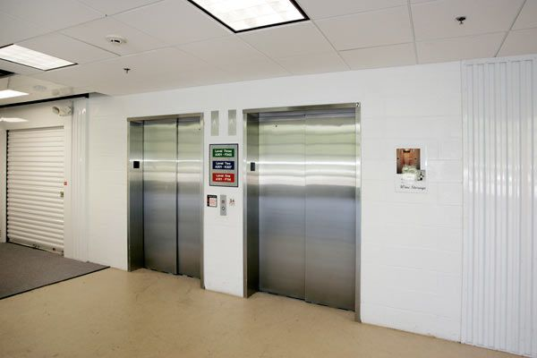 305 Eisenhower Parkway Livingston, NJ 07039 - Elevator