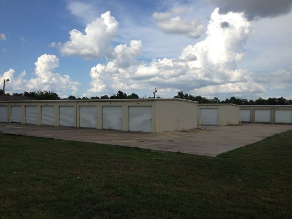 2349 East Mcneese Street Lake Charles, LA 70607 - Drive-up Units
