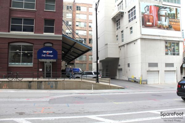 350 West Kinzie Street Chicago, IL 60654 - Road Frontage