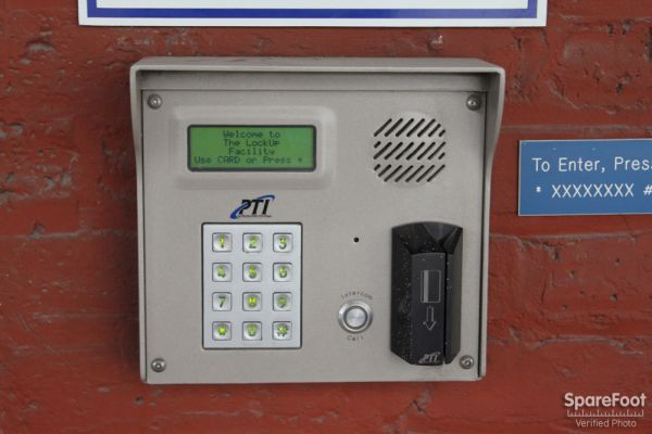 350 West Kinzie Street Chicago, IL 60654 - Security Keypad