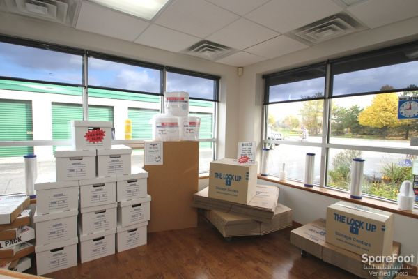 2600 Old Willow Road Northbrook, IL 60062 - Moving/Shipping Supplies