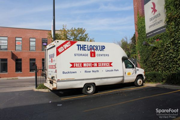 2525 West Armitage Avenue Chicago, IL 60647 - Moving Truck