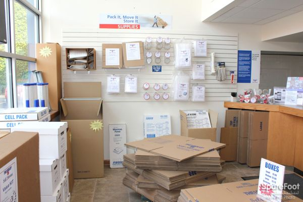 2525 West Armitage Avenue Chicago, IL 60647 - Moving/Shipping Supplies