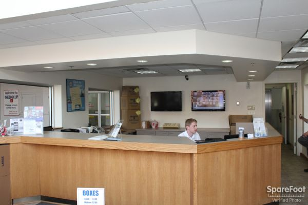 2525 West Armitage Avenue Chicago, IL 60647 - Front Office Interior|Staff Member