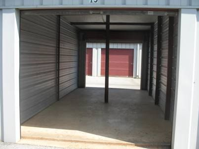5526 Wares Ferry Road Montgomery, AL 36117 - Interior of a Unit
