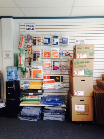 116 Fountain St Philadelphia, PA 19127 - Moving/Shipping Supplies
