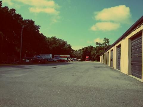 3345 U.s. 92 Lakeland, FL 33801 - Moving Truck|Drive-up Units|Driving Aisle