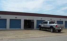117 Central Ave Searcy, AR 72143 - Drive-up Units