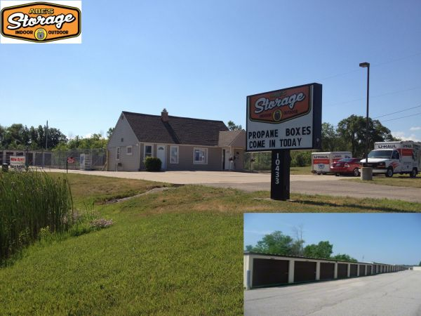 10433 North Holly Road Holly, MI 48442 - Storefront|Drive-up Units