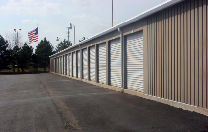 3330 West Thompson Road Fenton, MI 48430 - Drive-up Units