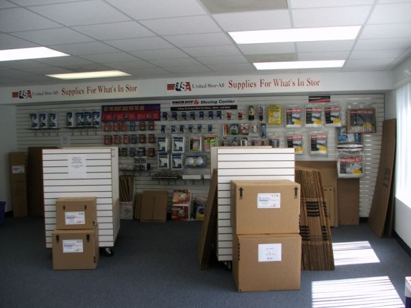 1007 Willa Springs Dr Winter Springs, FL 32708 - Moving/Shipping Supplies