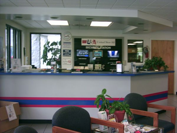7400 W Colonial Dr Orlando, FL 32818 - Front Office Interior