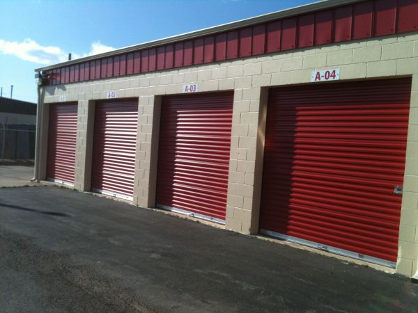 3900 South Broadway Edmond, OK 73013 - Drive-up Units|Driving Aisle