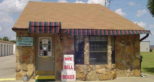 107 West White Road Byron, GA 31008 - Storefront|Moving/Shipping Supplies