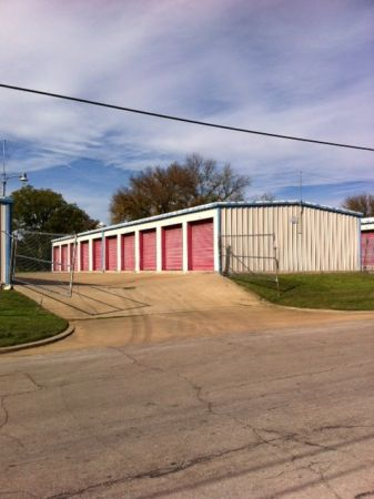 1809 Clark Avenue Waco, TX 76708 - Drive-up Units