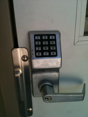1101 W Lakeview Rd Stillwater, OK 74075 - Security Keypad