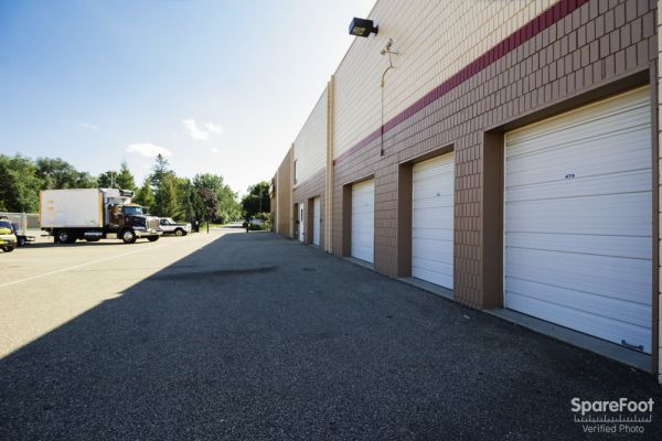 150 West 81st Street Minneapolis, MN 55420 - Drive-up Units