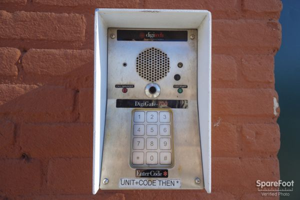 425 Washington Avenue North Minneapolis, MN 55401 - Security Keypad