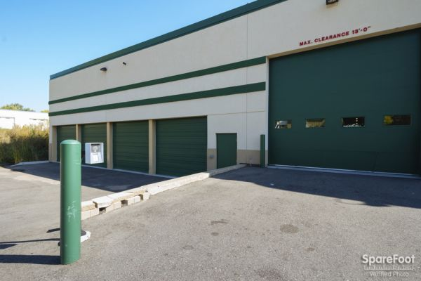 5040 Winnetka Avenue North New Hope, MN 55428 - Drive-up Units|Driving Aisle