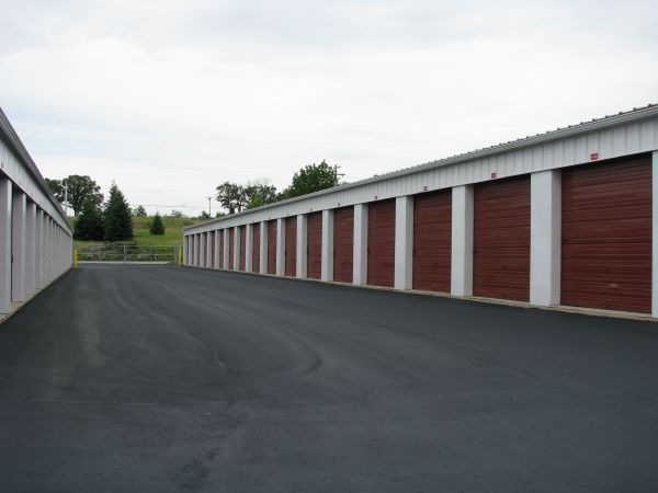 510 Rolfsmeyer Drive Madison, WI 53713 - Drive-up Units|Driving Aisle