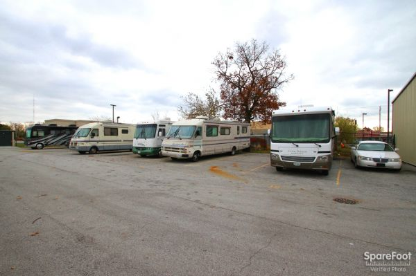 14900 Woodlawn Avenue Dolton, IL 60419 - Car/Boat/RV Storage