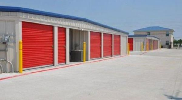 7705 Mchard Road Houston, TX 77053 - Drive-up Units