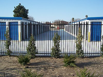 3201 South Chester Avenue Bakersfield, CA 93304 - Drive-up Units