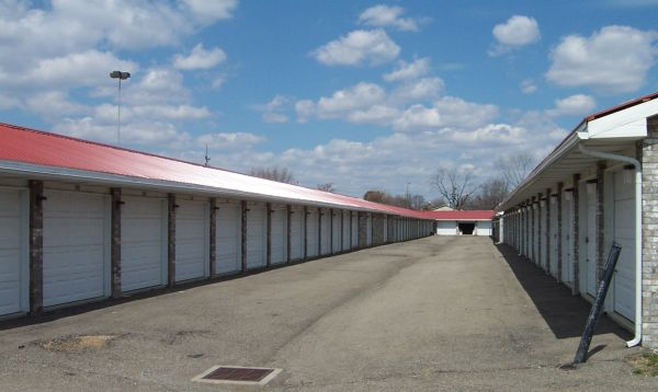 777 S 30th St Heath, OH 43056 - Drive-up Units|Driving Aisle