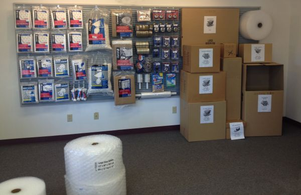 101 Executive Dr Newark, DE 19702 - Moving/Shipping Supplies