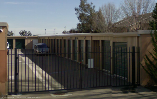 818 Hammertown Drive Stockton, CA 95210 - Security Gate