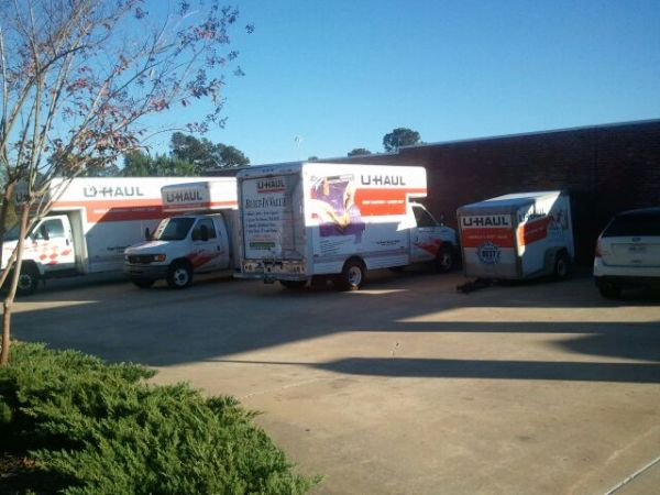 189 Country Place Parkway Pearl, MS 39208 - Moving Truck