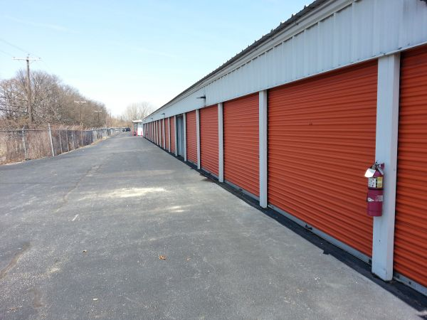 201 Concord Street Pawtucket, RI 02860 - Drive-up Units|Driving Aisle